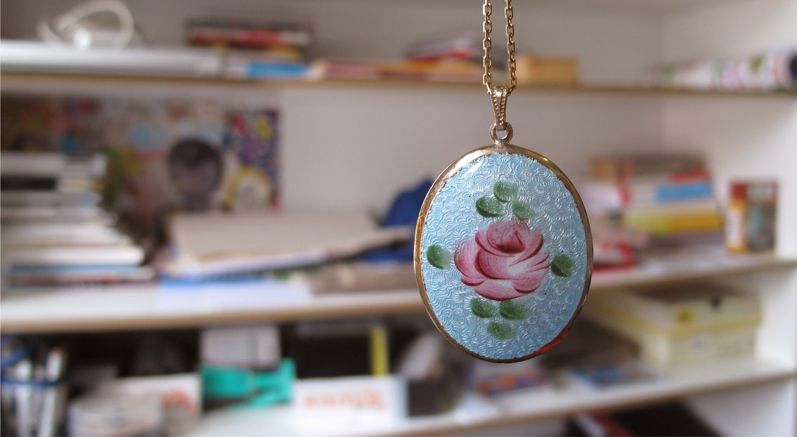 rose-necklace