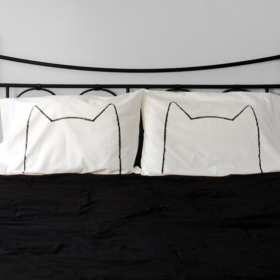 cat-pillows-2