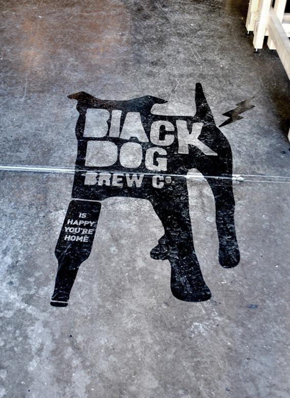 Black-Dog-Retail-Store-3