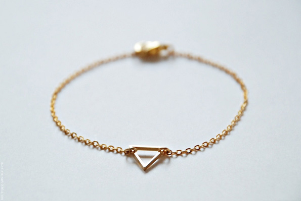 Gold-Triangle-Bracelet