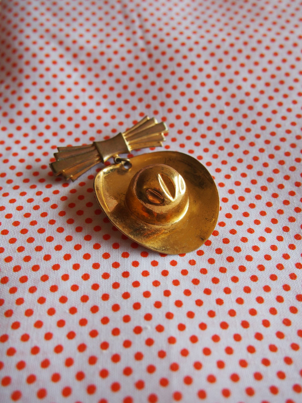 gold-brooch-2