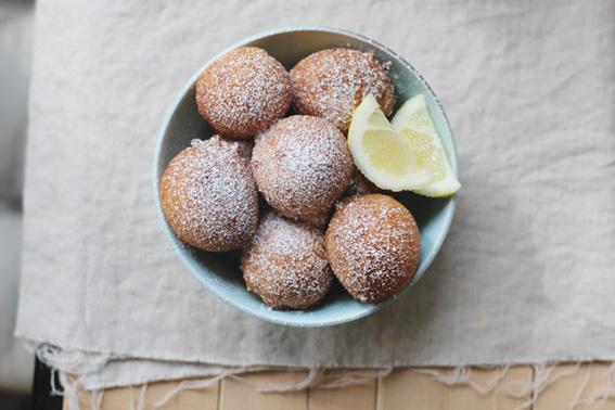 lemon-ricotta-doughnuts