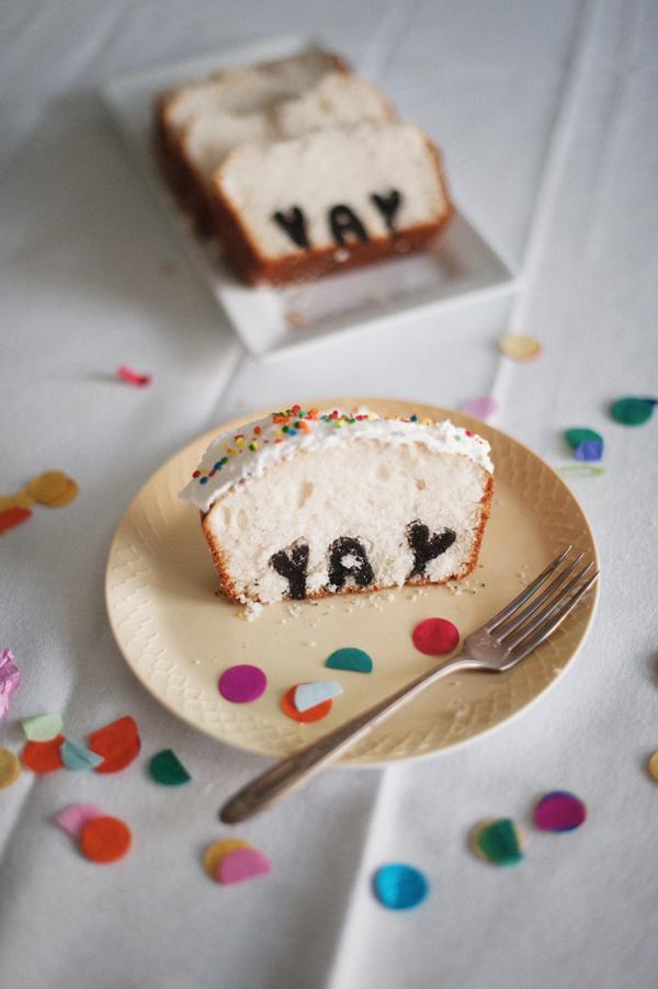 typography-cake