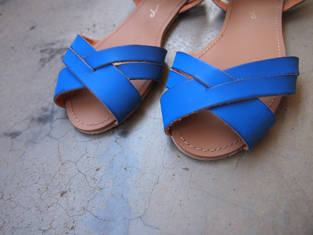 blue-sandals-2