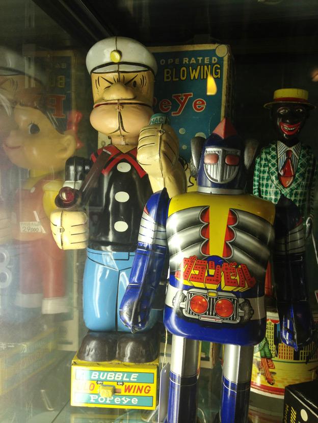vintage-tin-toy-10