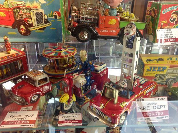 vintage-tin-toy-14