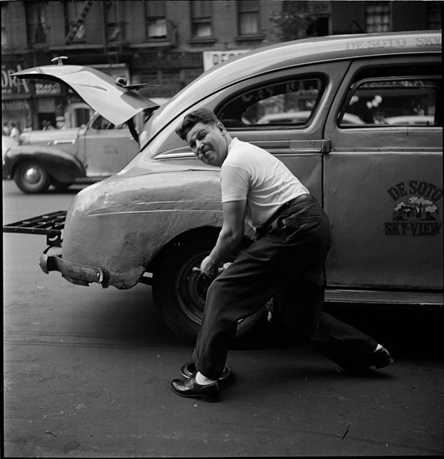 photographs-by-stanley-kubrick-look-magazine-life-in-new-york-40s-15