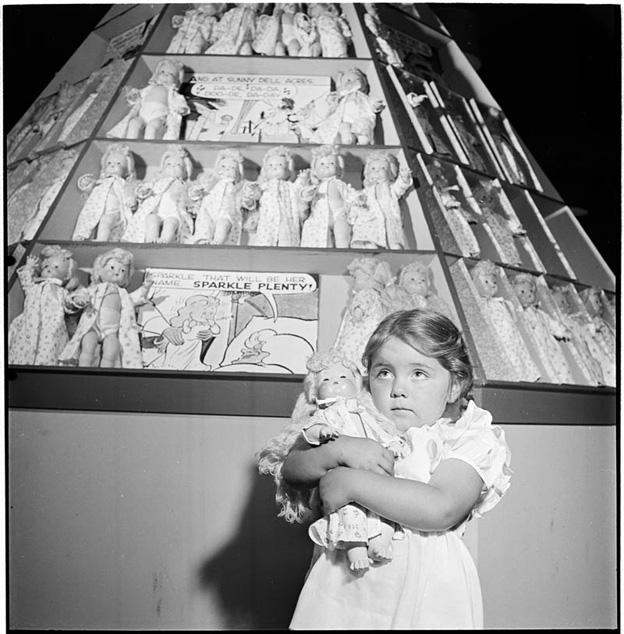 photographs-by-stanley-kubrick-look-magazine-life-in-new-york-40s-17