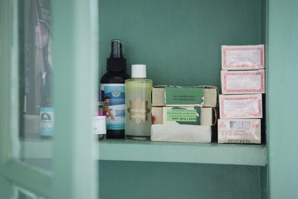 Beauty-cabinet