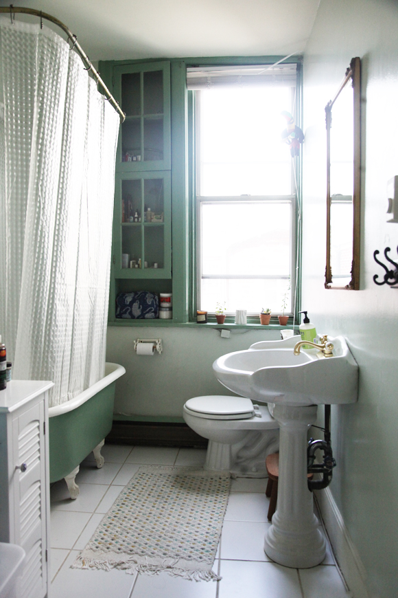 Green-and-white-bathroom
