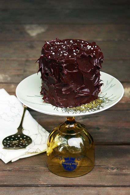 PEANUT-BUTTER-AND-DARK-CHOCOLATE-LAYER-CAKE