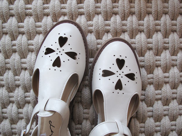 white-shoes-2