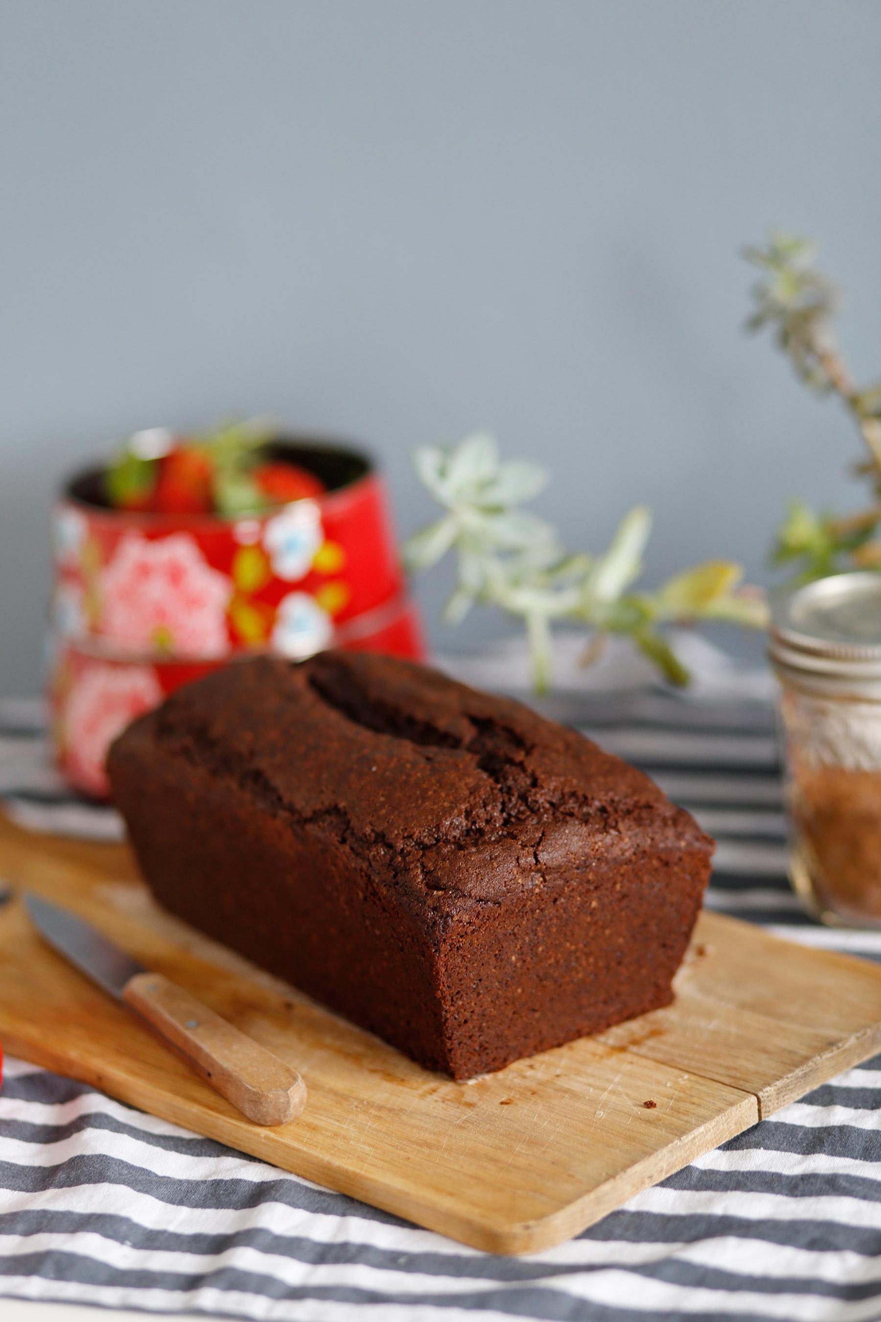 Easy-peasy-chocolate-cake-4