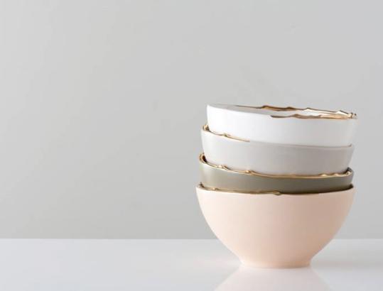 gold-rimmed-bowls