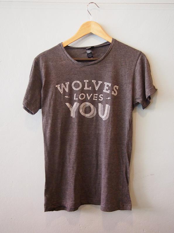 wolves-cafe