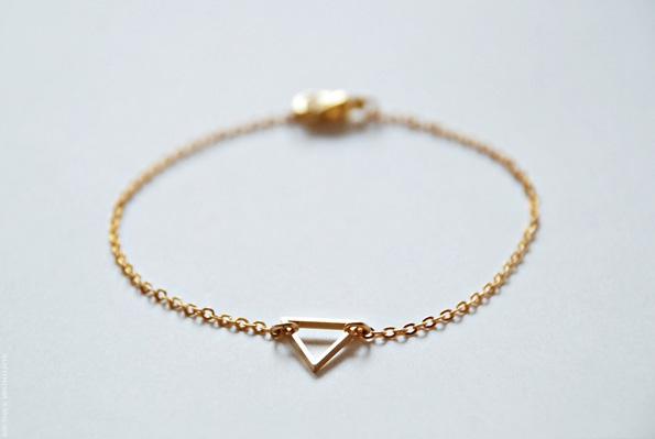 Gold-Triangle-Bracelet