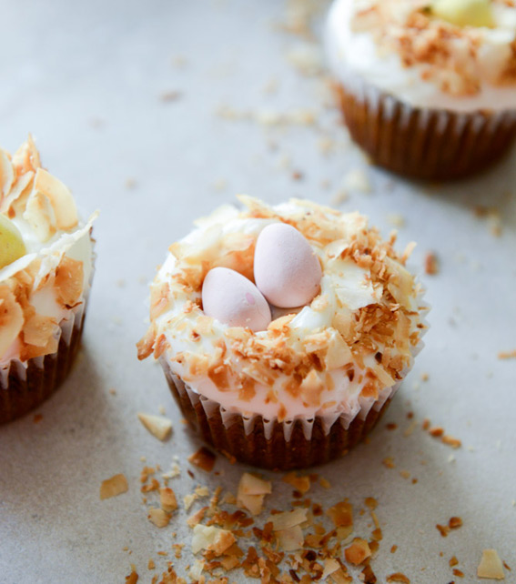 banana-carrot-cupcakes