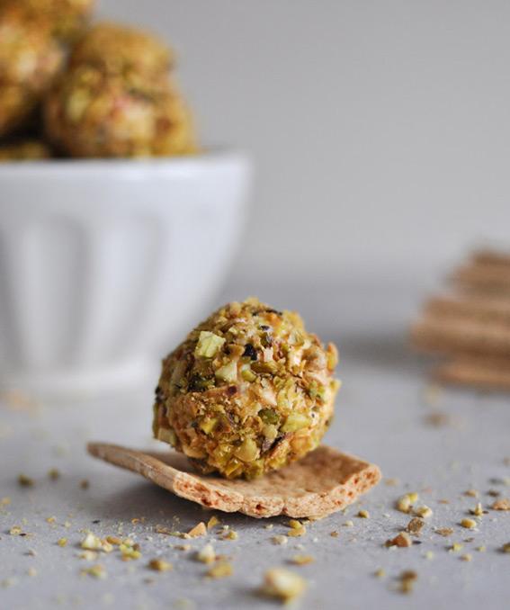 goat-cheese-truffles