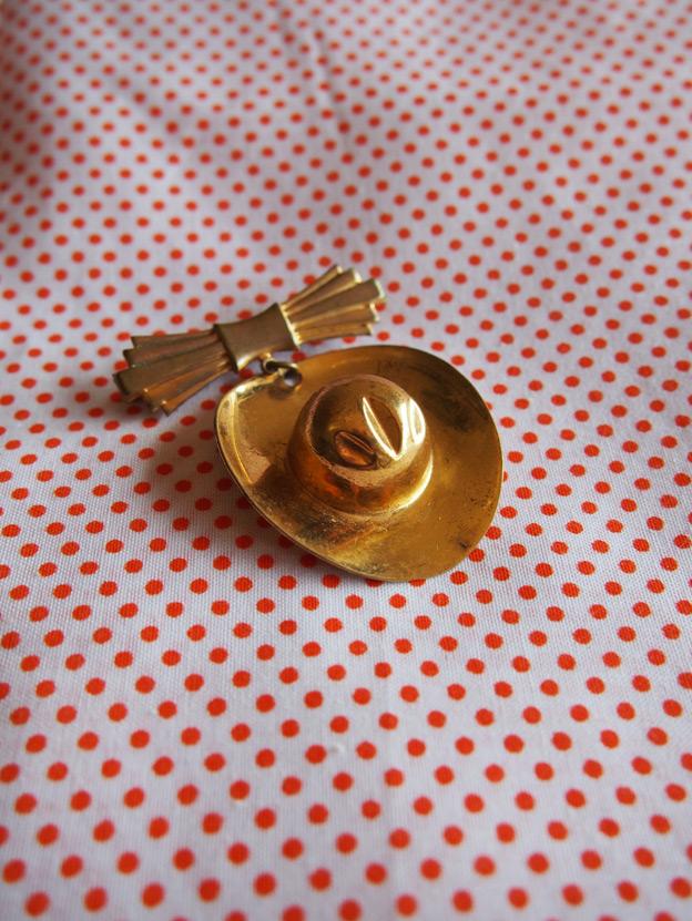 gold-brooch-2