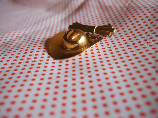 gold-brooch