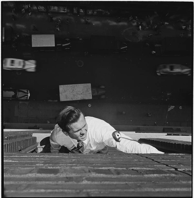 photographs-by-stanley-kubrick-look-magazine-life-in-new-york-40s-5