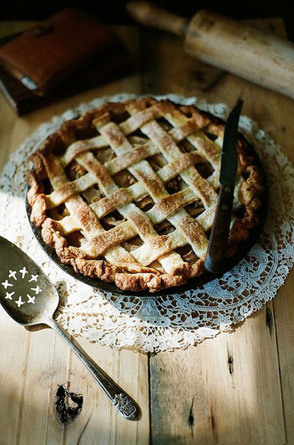 pear,-gorgonzola,-and-walnut-pie