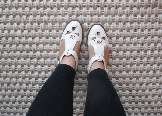 white-shoes-3