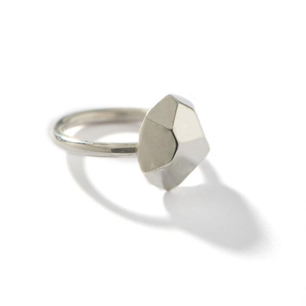 Silver_geo_top_ring_1024x1024