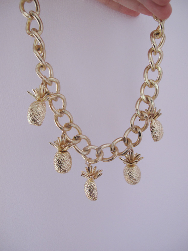 pineapple-necklace-2