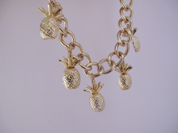 pineapple-necklace-3