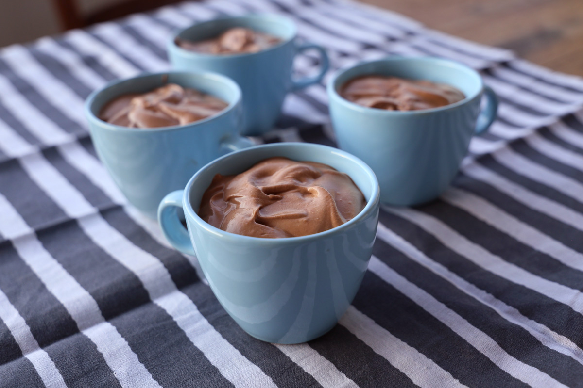 easy chocolate mousse-1