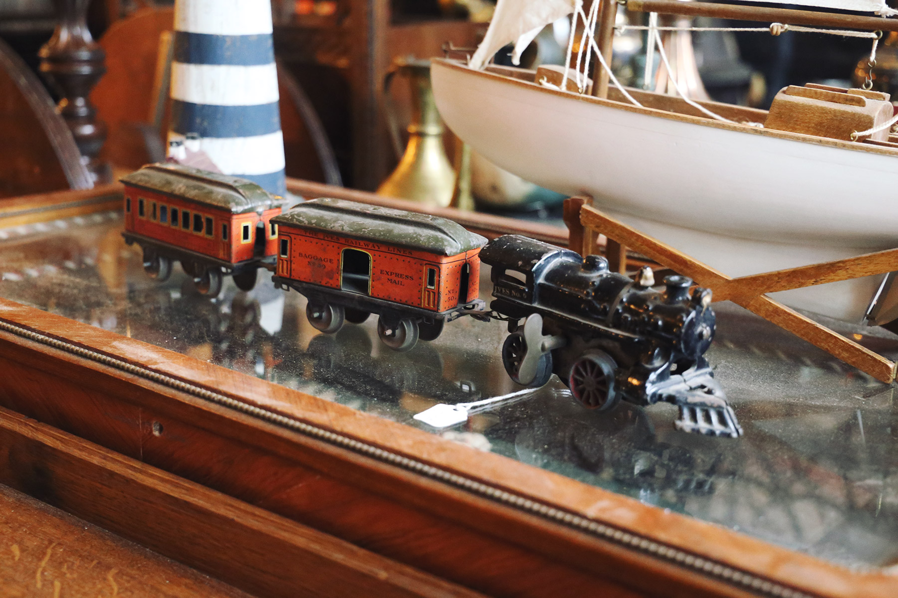 eclectic-collectibles-and-antiques-6