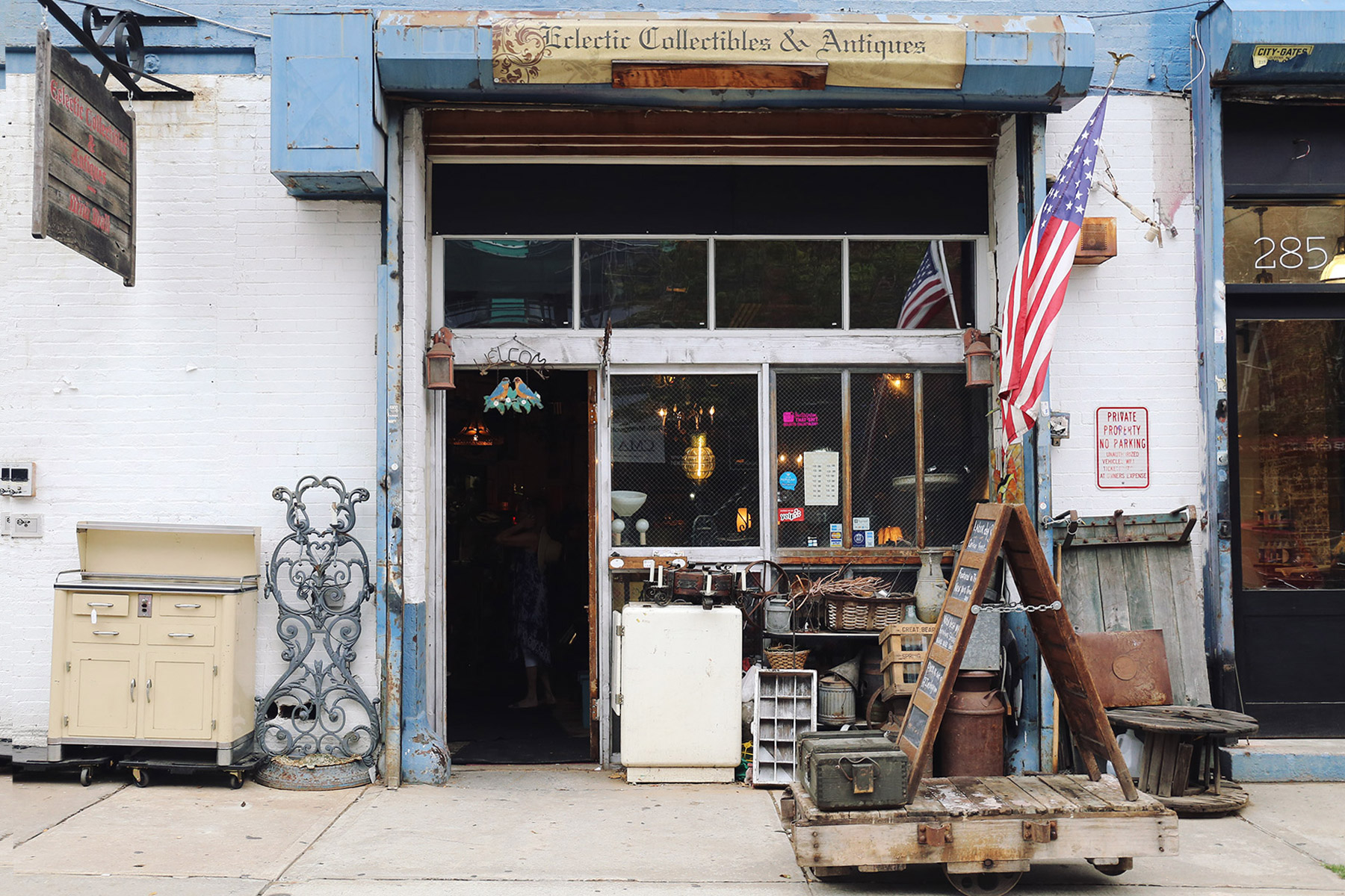 eclectic-collectibles-and-antiques