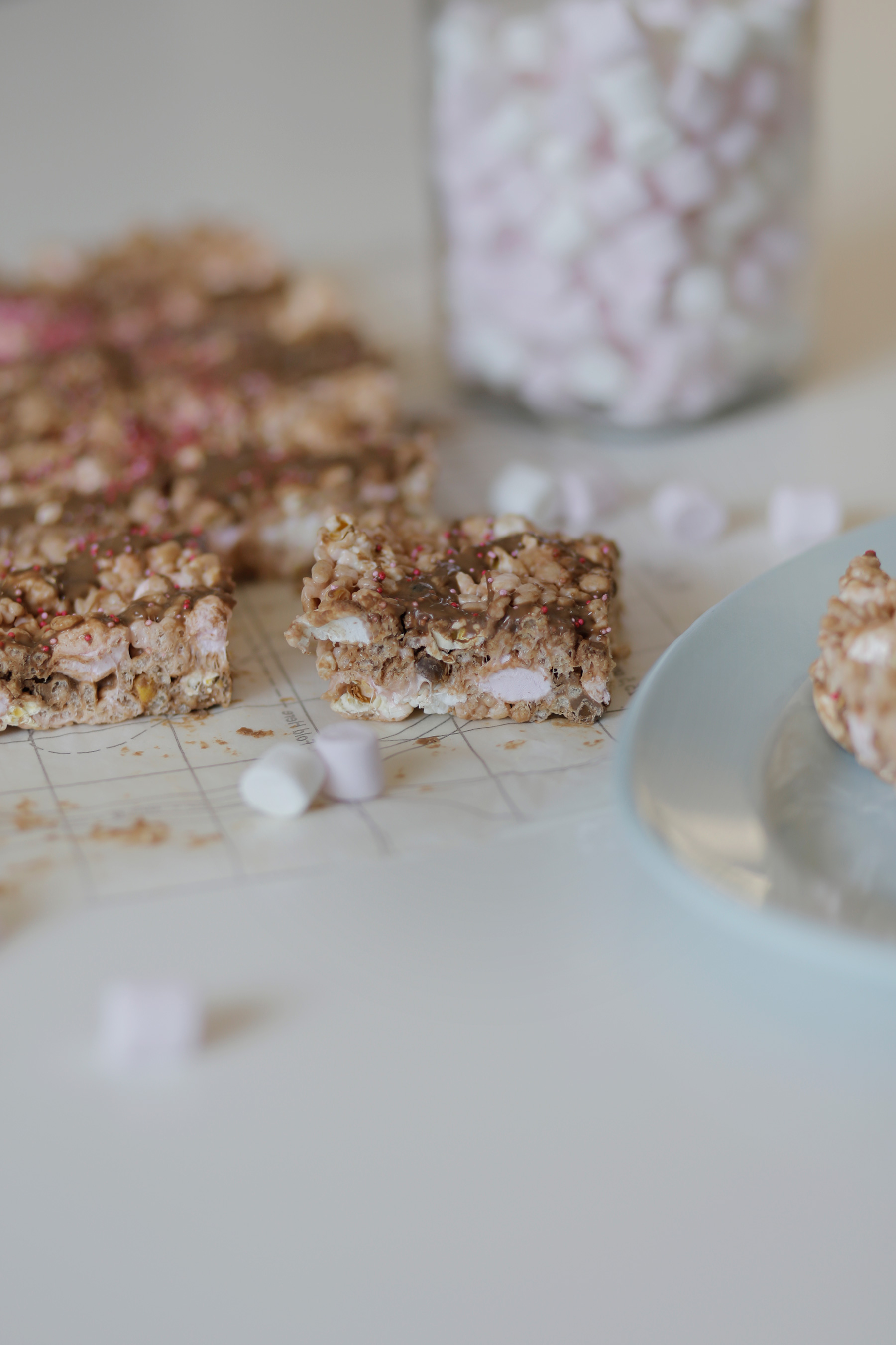 RICE-kRISPIE-TREATS-2