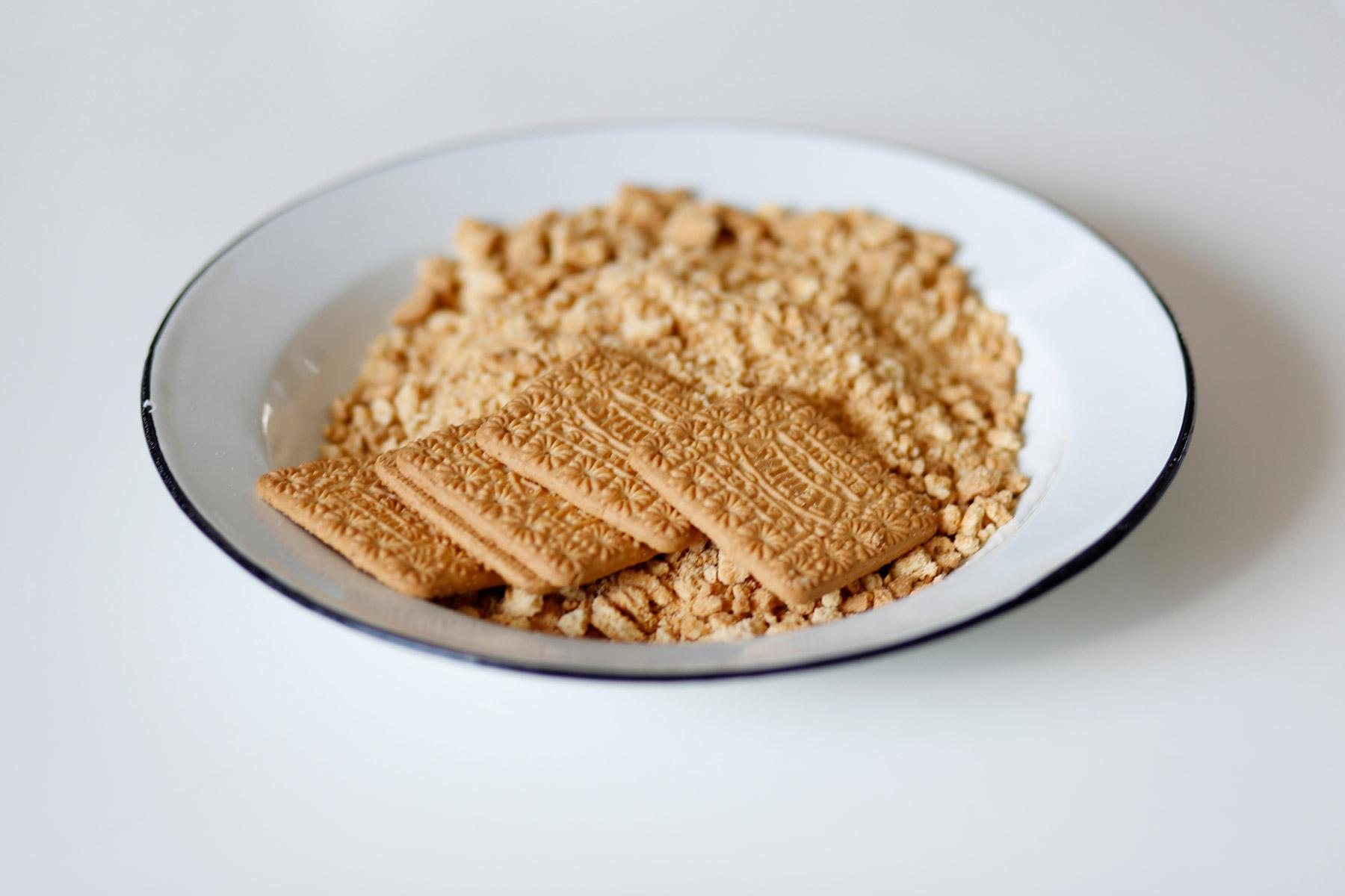 Peppermint-Crisp-Mousse-Cake-12