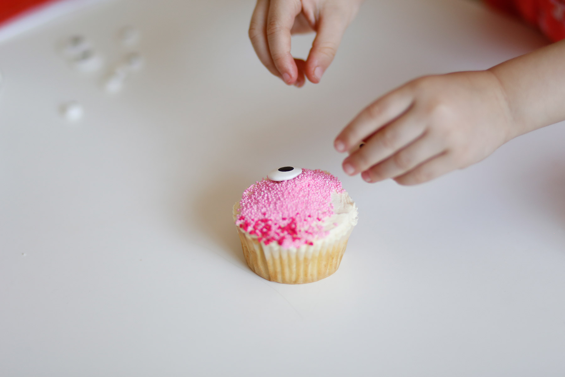 Easy-to-make-bunny-cupcakes-7