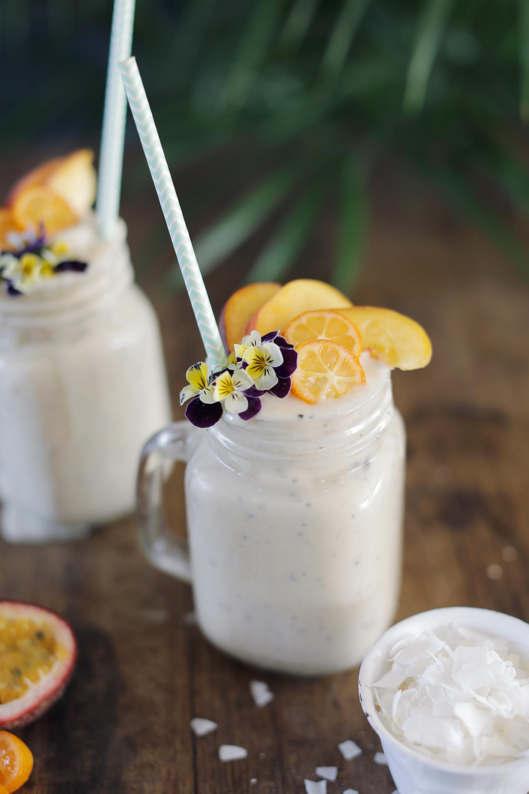 Coconut-Granadilla-and-Banana-smoothie-7