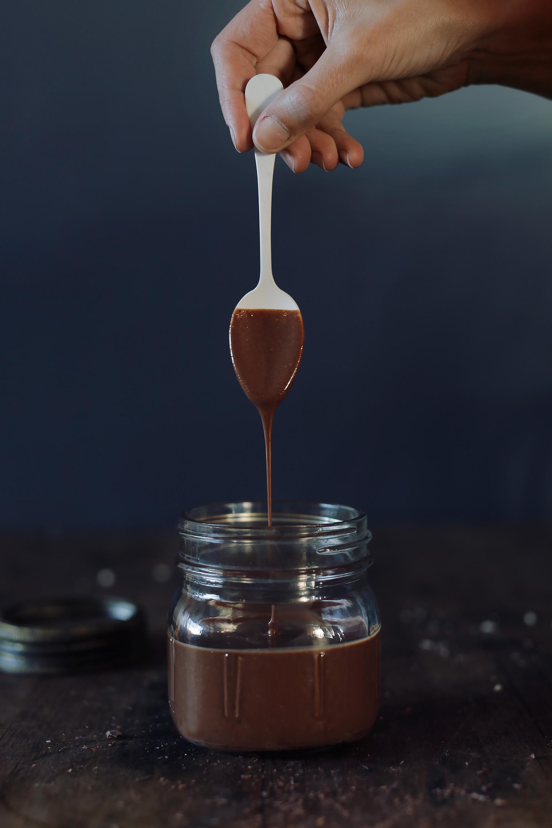 Homemade-vegan-nutella-2