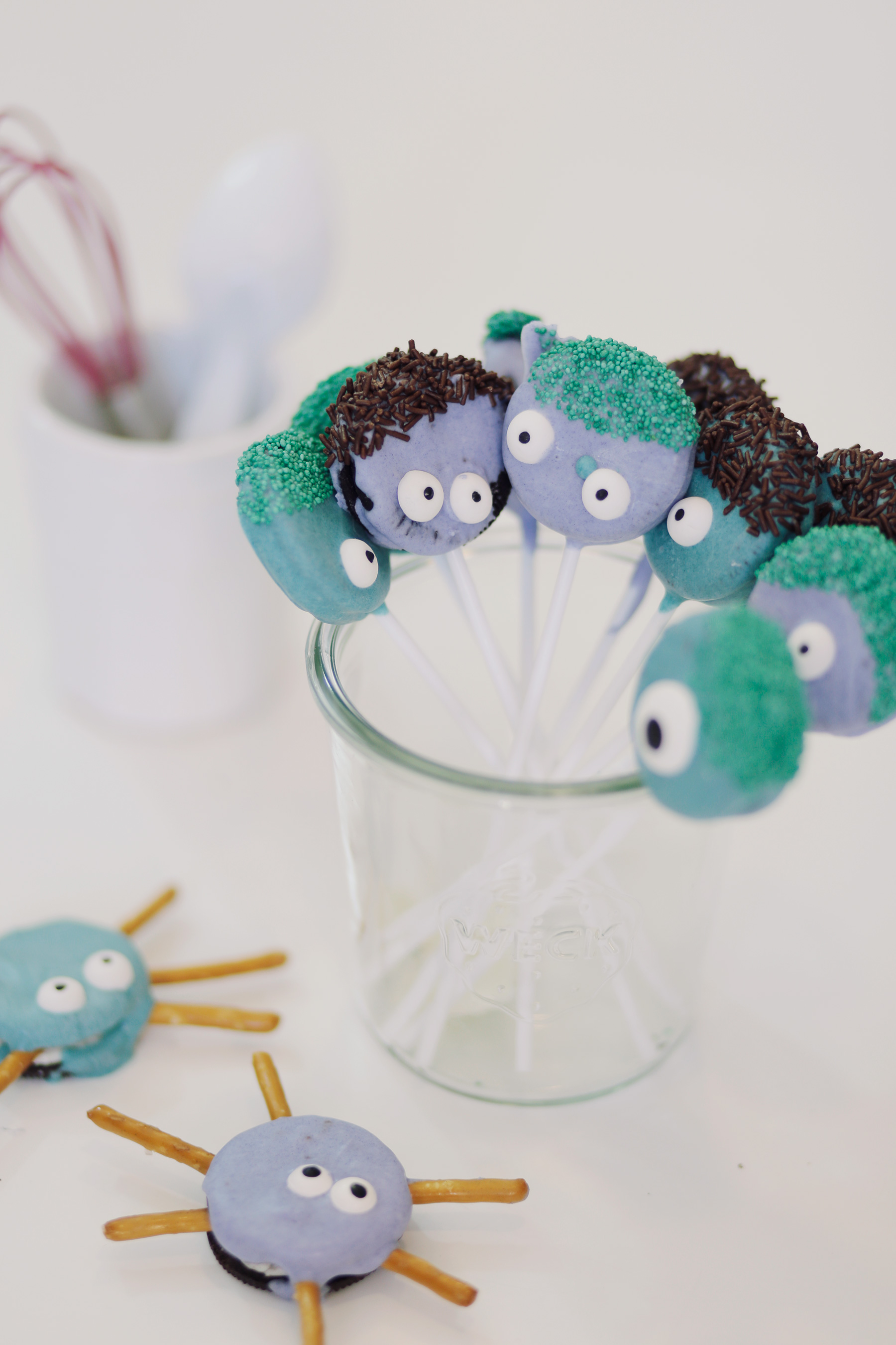 Oreo-Monster-Pops-Halloween-Treats