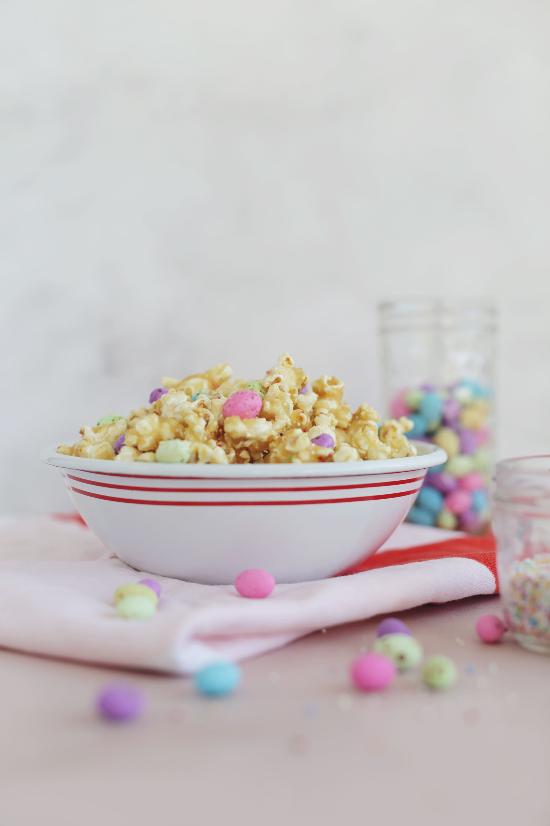 Caramel-Popcorn-with-speckled-eggs-and-sprinkles-1
