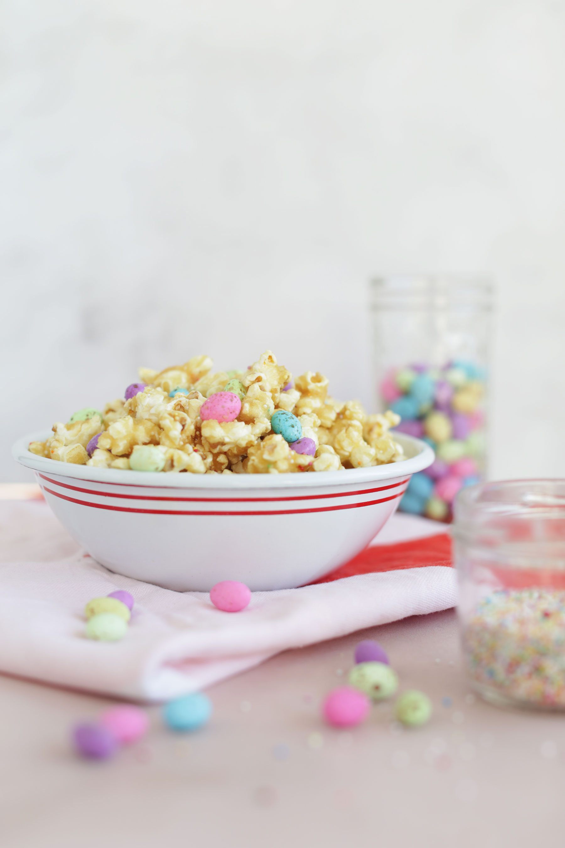 Caramel-Popcorn-with-speckled-eggs-and-sprinkles