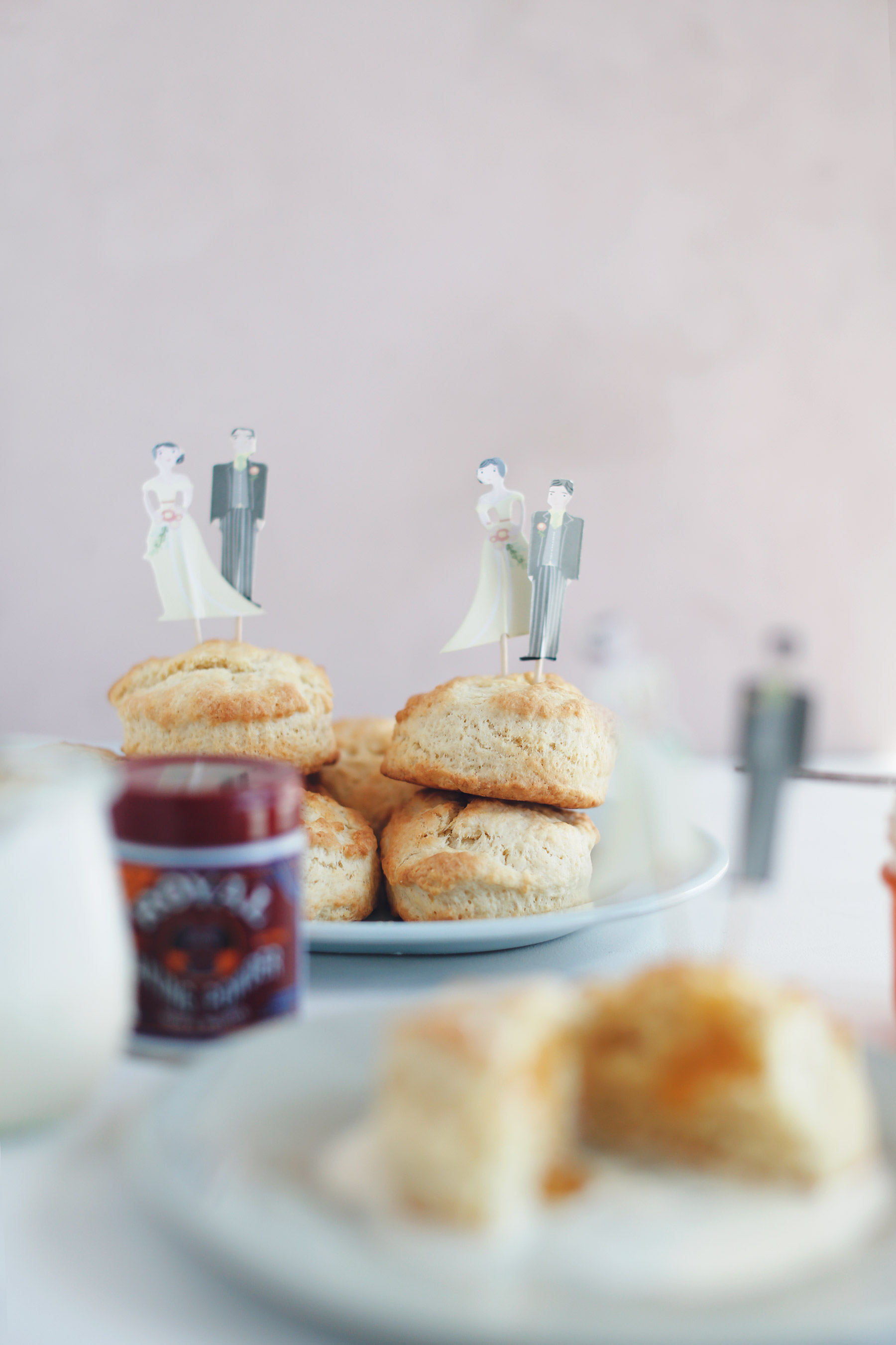 Scones-with-vanilla-pouring-cream-and-apricot-jam-8