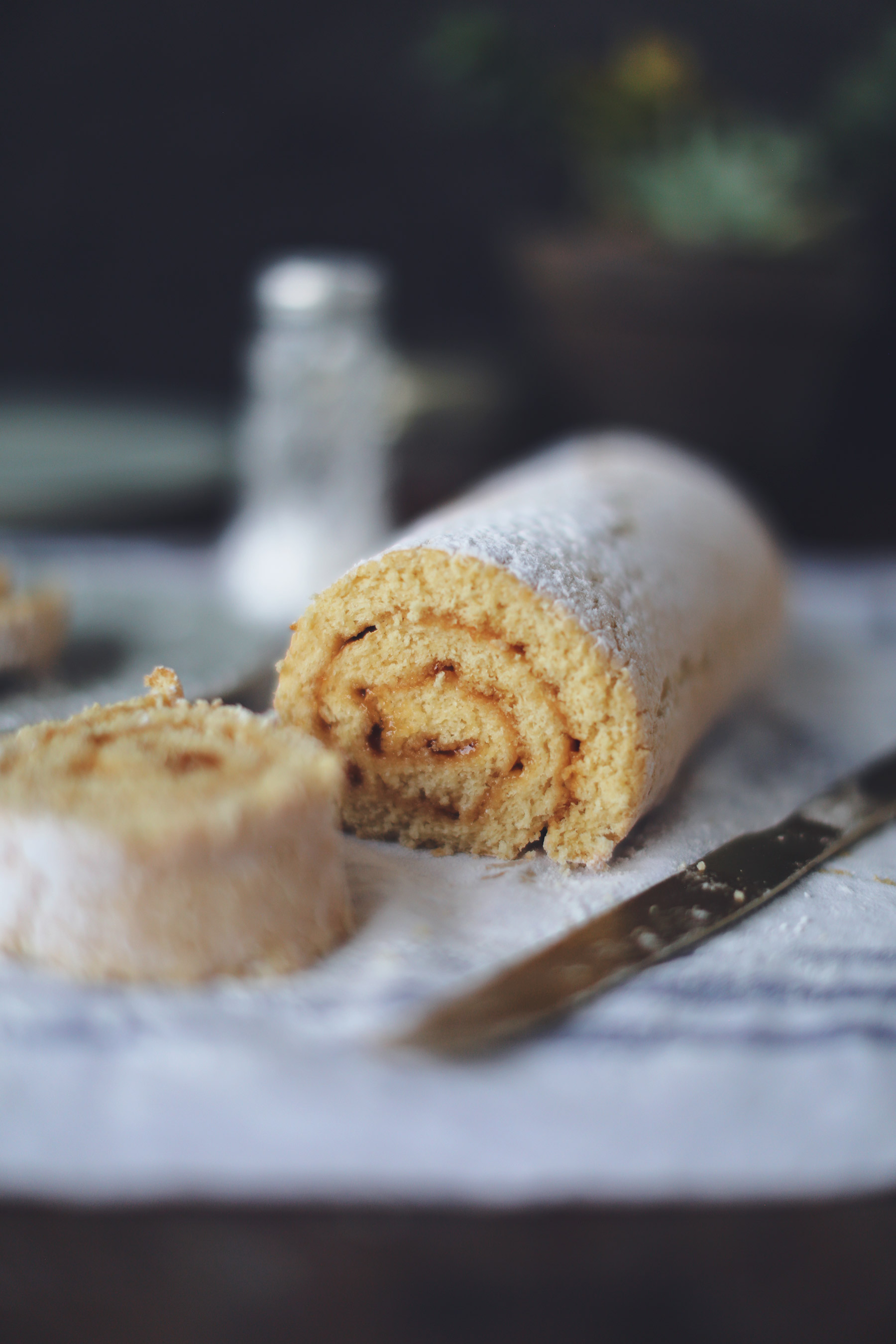 Swiss-Roll-get-in-my-mouth