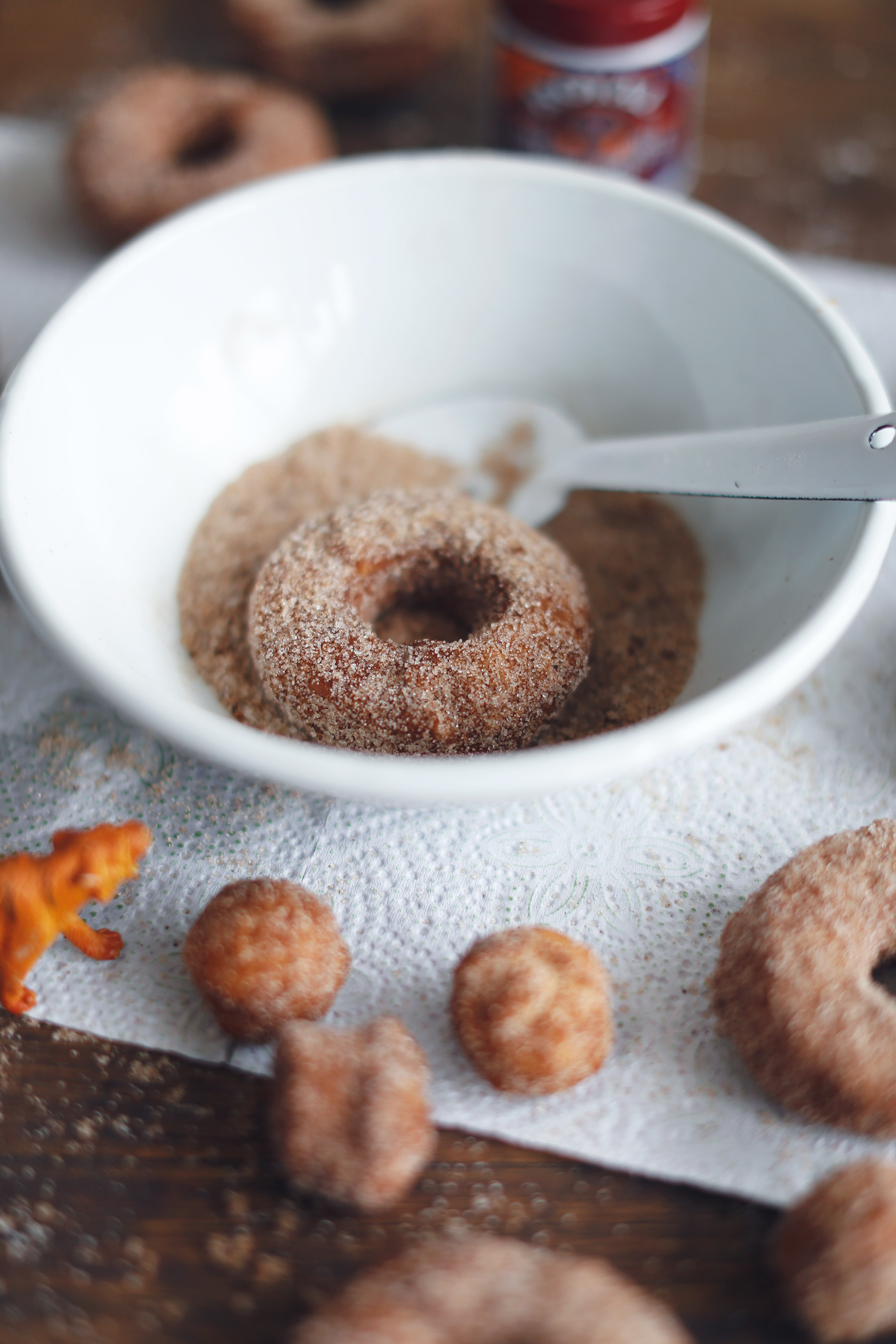 Cinnamon-and-sugar-doughnuts9